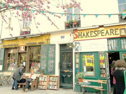 Shakespeare Company Paris bookstore Midnight in Paris